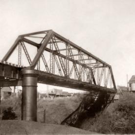 Pratt Rail Bridge, Eltham Rd